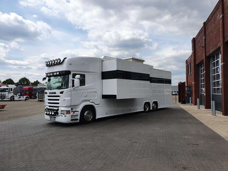 RV de VAEX The Truck Traders