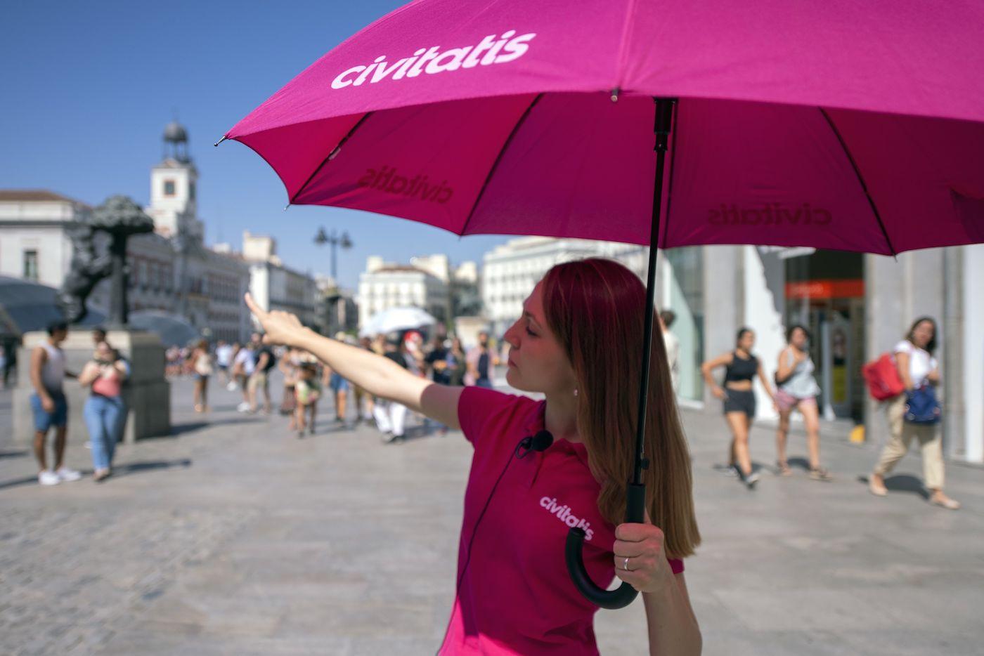 Civitatis ofrece más de 100 free tours por España, una opción ideal para descubrir los atractivos turísticos nacionales ahorrando dinero.