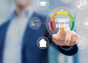 Calificación de puntaje de crédito para préstamos estudiantiles, hipotecas y tarjetas de créditos.