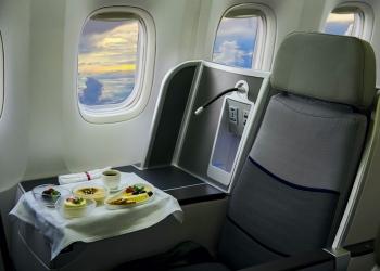 Comida servida a bordo de un avión