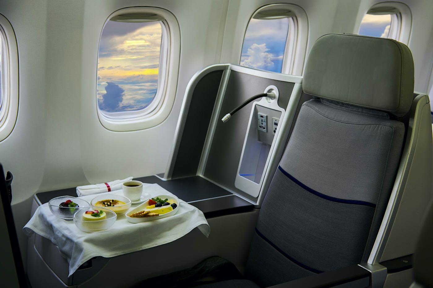 TOP 10: Las aerolíneas que ofrecen mejor comida a bordo
