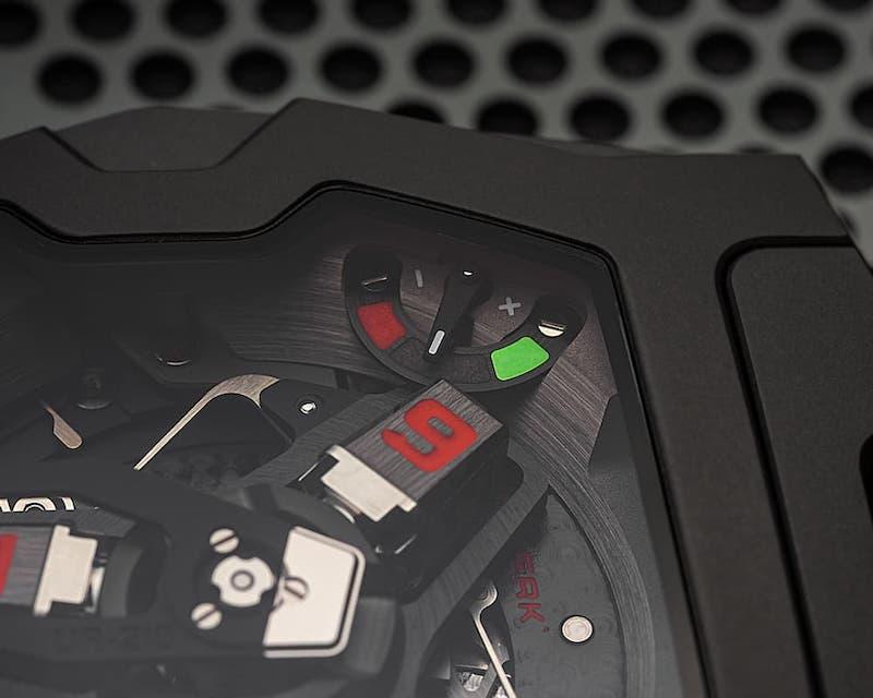 La edición final del icónico UR-210 de URWERK es una delicia visual