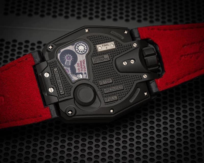 La edición final del icónico UR-210 del relojero suizo es una delicia visual