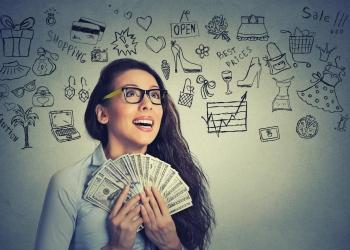 Exitosa mujer de negocios con dinero billetes de dólar