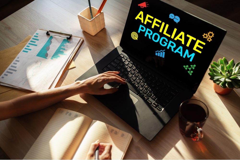 Programa de afiliados, negocio de marketing y publicidad en computadora.