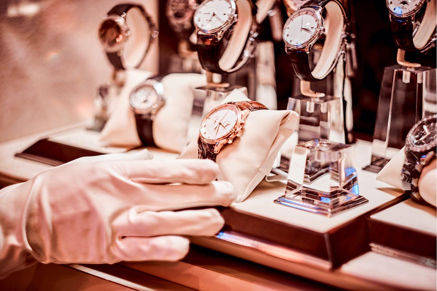 5 de los más increíbles relojes de lujo hechos a mano que deberías agregar a tu colección