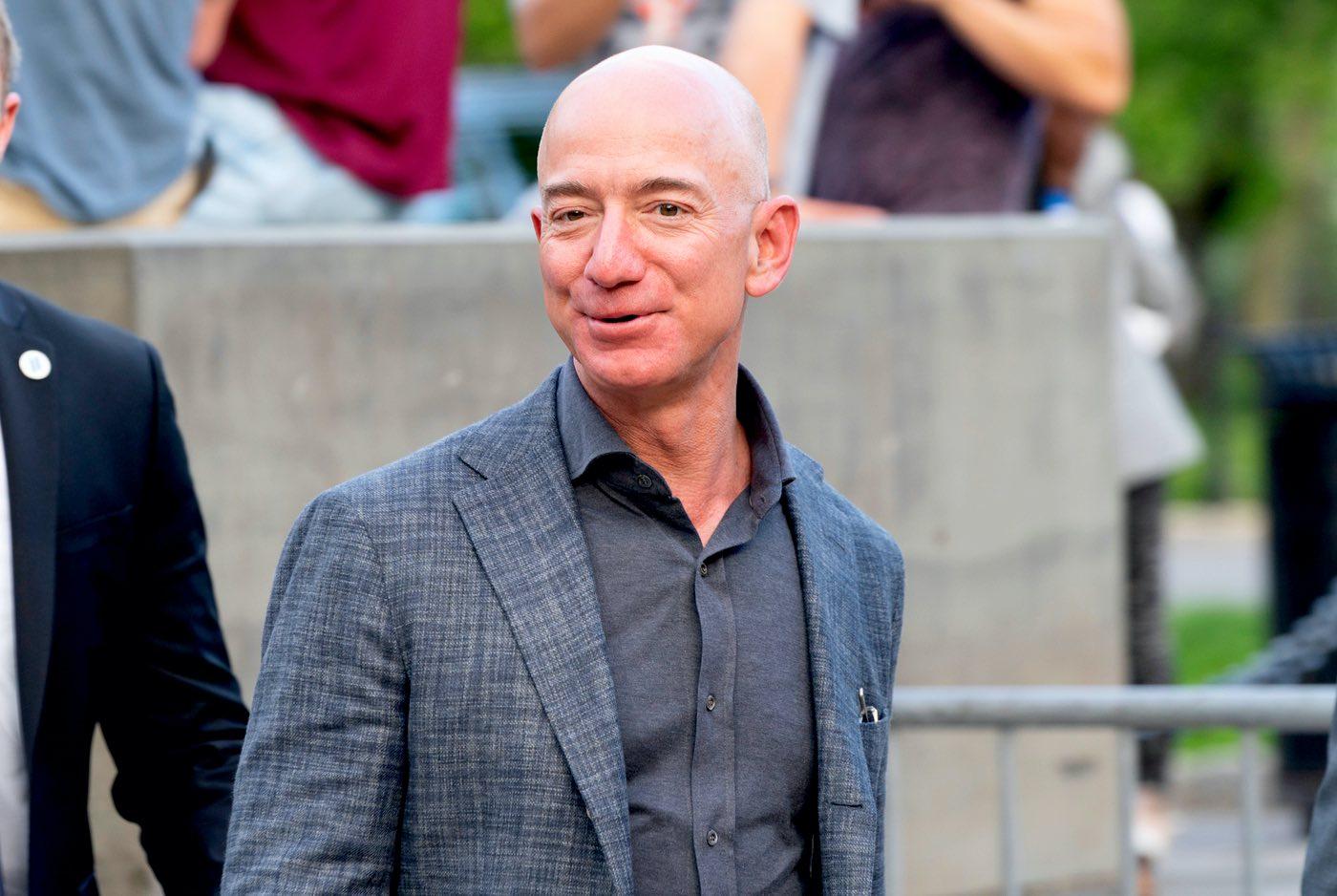 El patrimonio neto de Jeff Bezos supera los $100.000.000.000