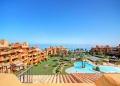 Reducen el precio de este lujoso ático dúplex en el exclusivo complejo Los Granados del Mar, Estepona a €1,4 millones