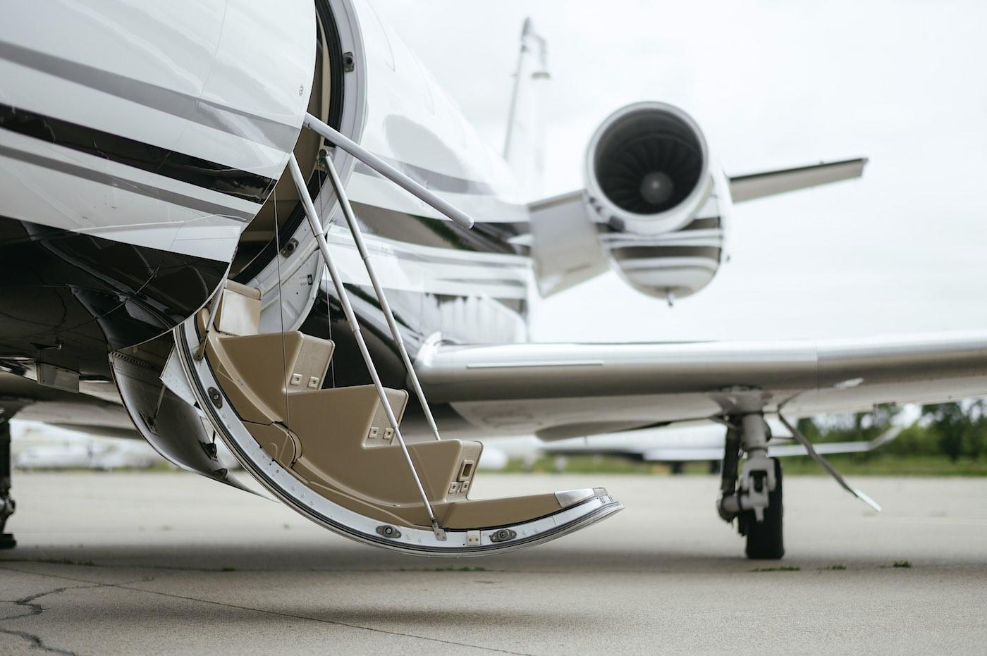 ¿Cuánto cuesta alquilar un jet privado?