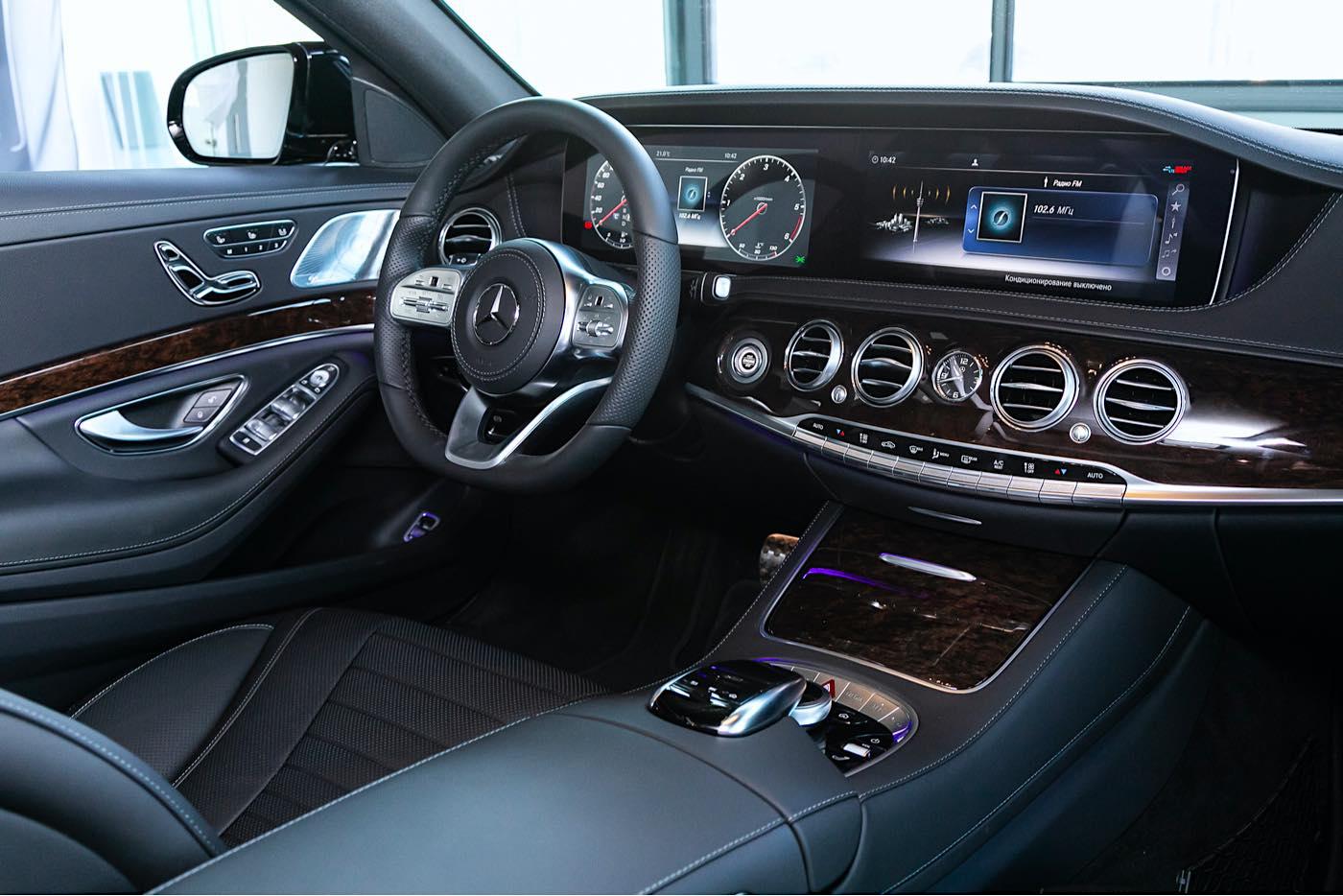El nuevo Mercedes-Benz Clase S incluye un cockpit con IA de próxima generación potenciado por NVIDIA.