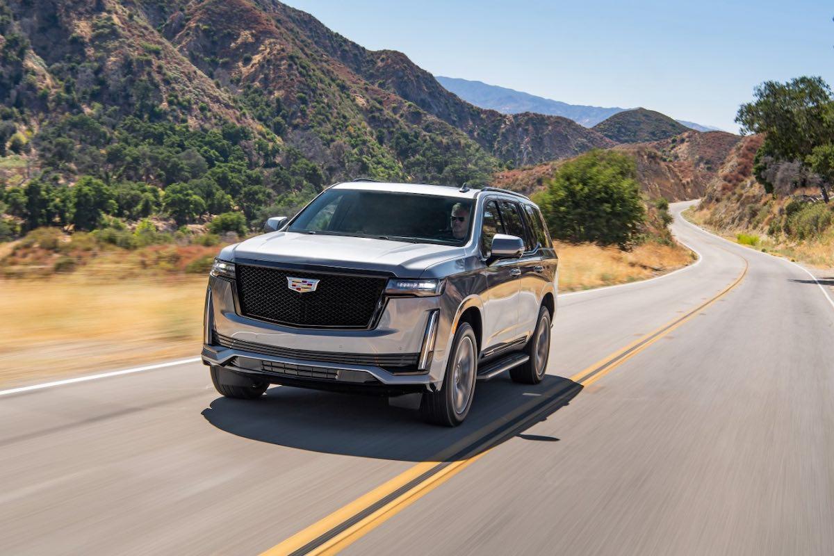La nueva Cadillac Escalade 2021 está completamente rediseñada con tecnologías innovadoras, pioneras en la industria, que agregan una nueva dimensión a la icónica SUV de lujo.