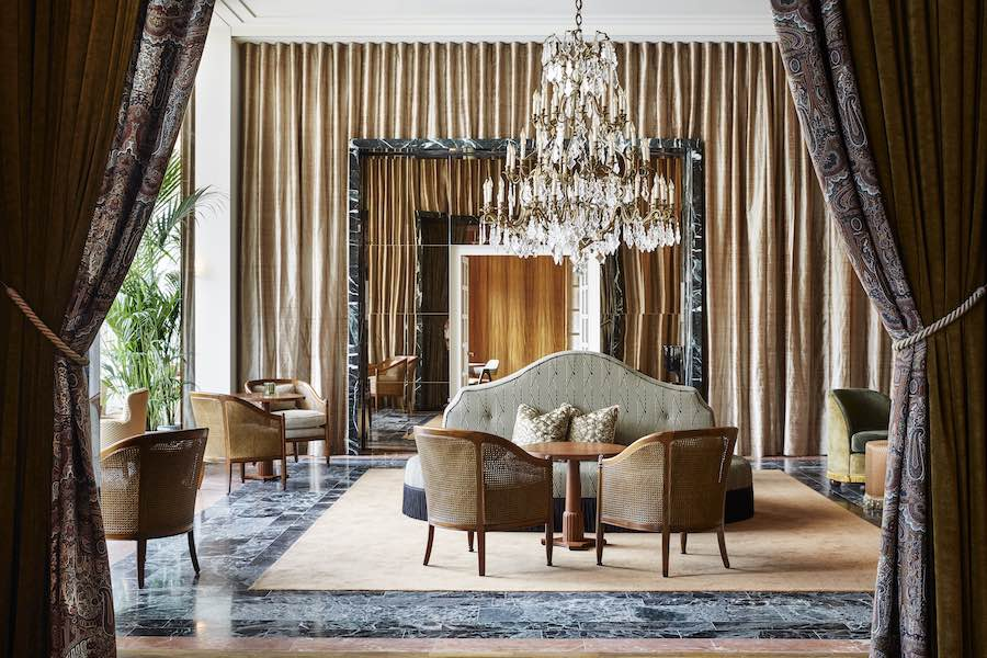 El nuevo diseño transmite la grandeza histórica del hotel y la fascinación internacional con un estilo atemporal y una elegancia refinada.