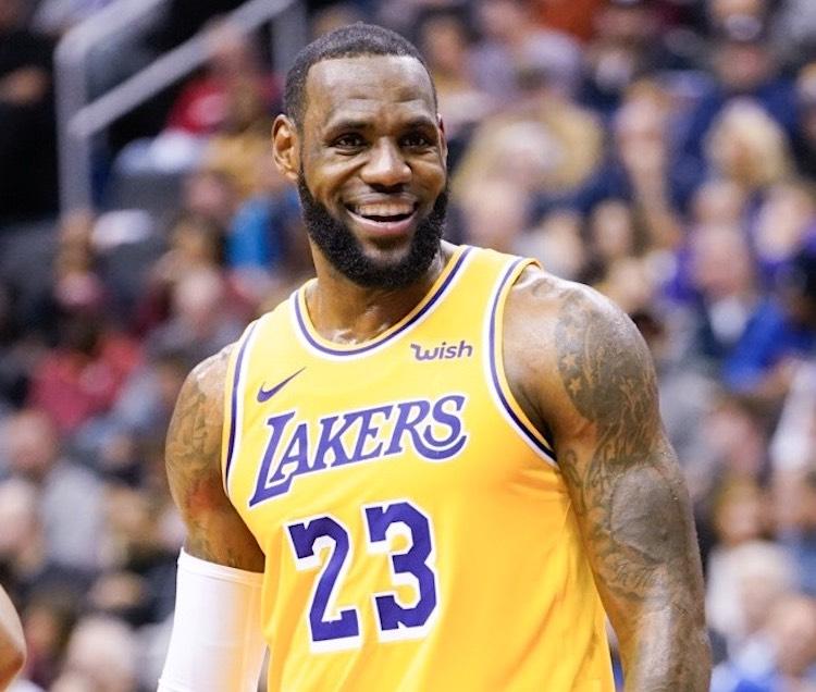 Deportistas mejor pagados en 2021: LeBron James