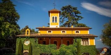 Tres casas de colonias Eix Estels, primeras en España con la certificación Clean Site de Bureau Veritas