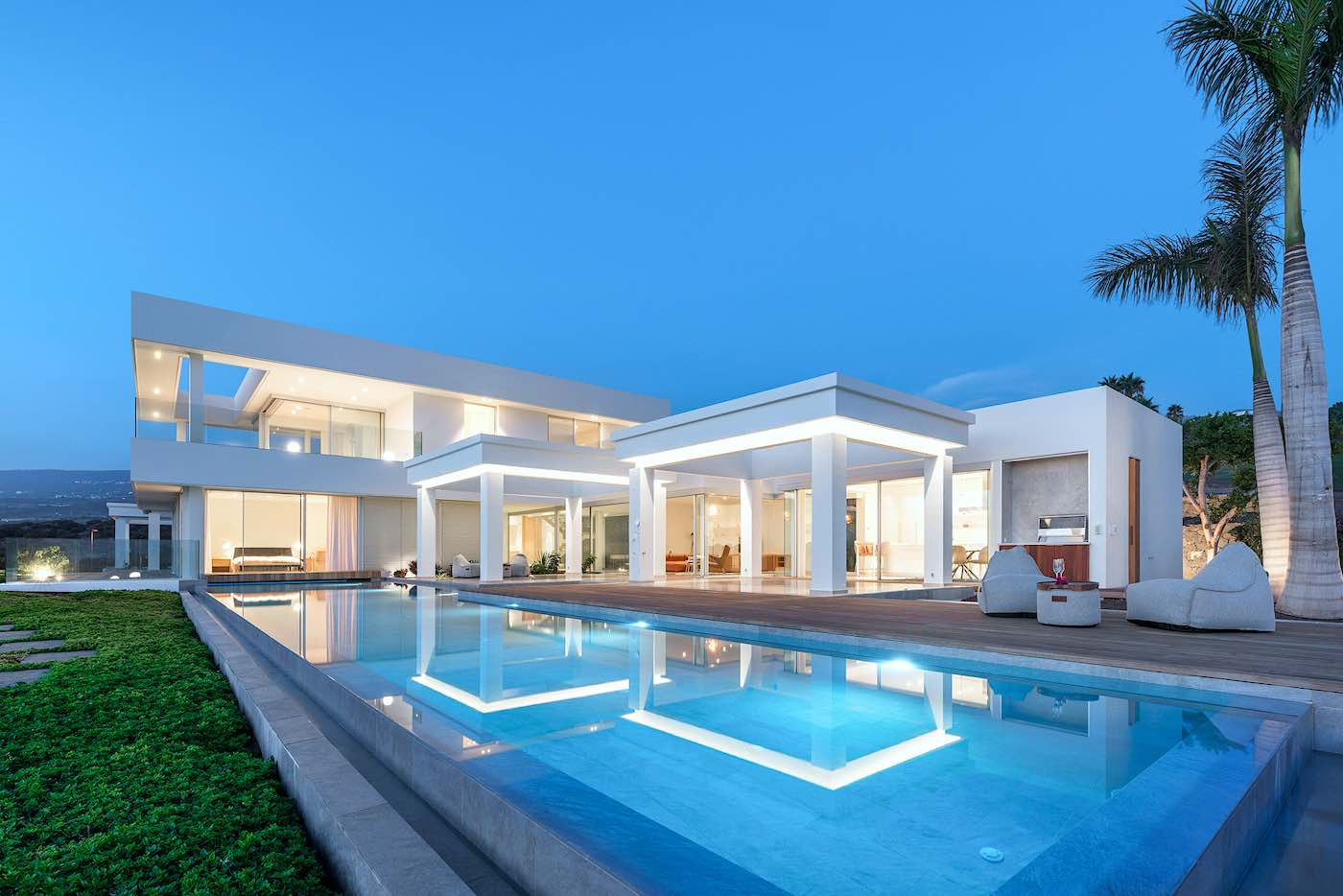 Los exteriores no se quedan atrás en esta propiedad que cuenta con 116 metros cuadrados de terrazas.