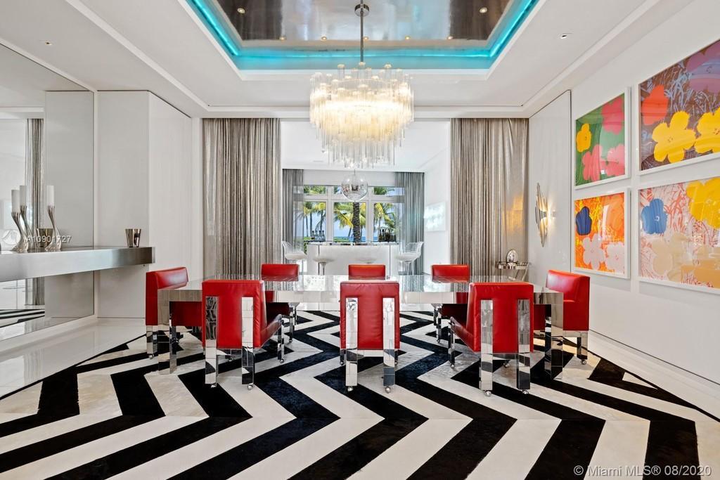 """El interior de la mansión ha sido descrita como """"un caleidoscopio de colores, texturas y materiales""""."""