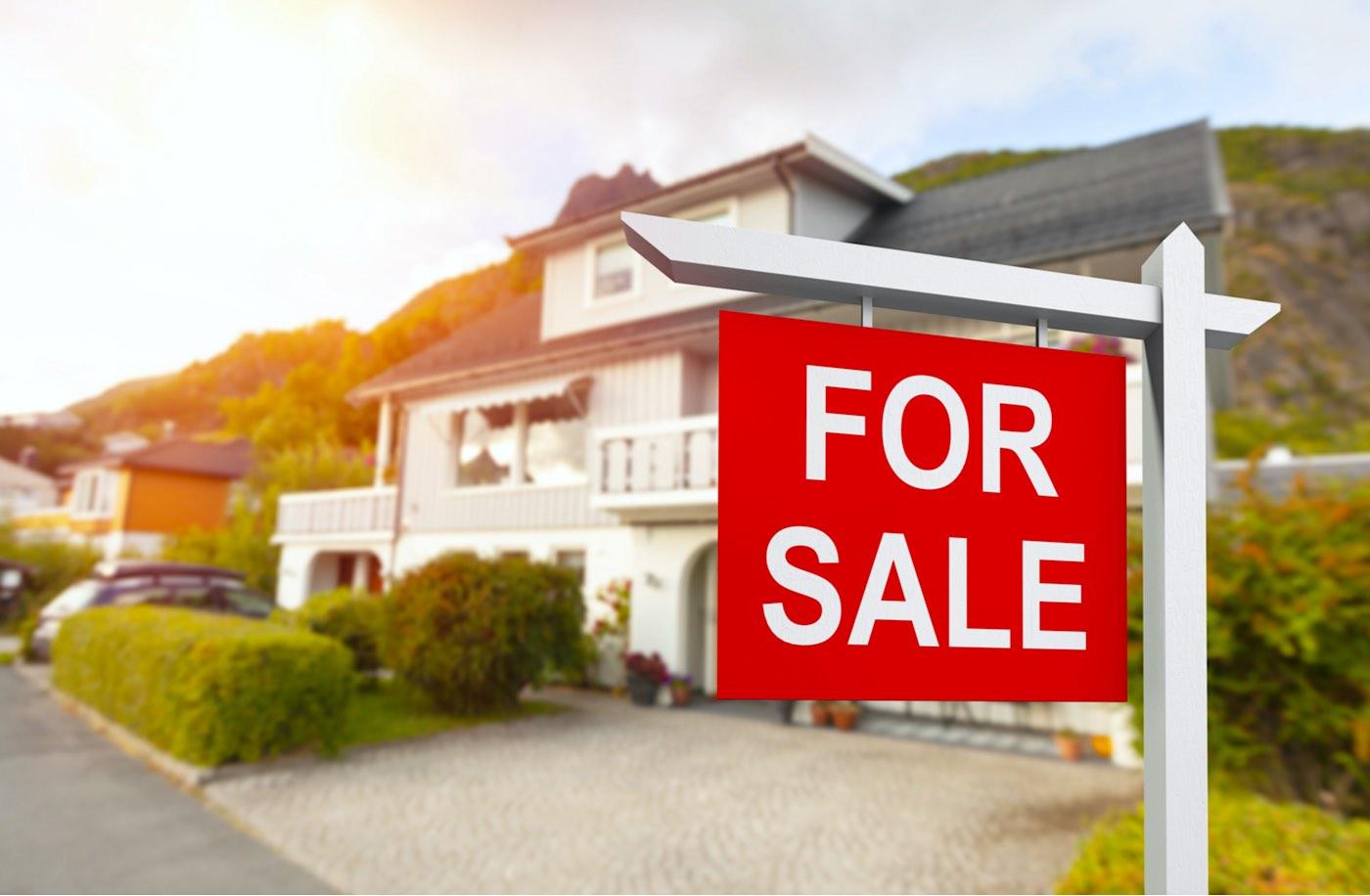 ¿Cómo vender una vivienda habitual y comprar otra sin incurrir en riesgos financieros, según Solvia?