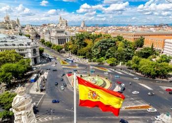 Vista aérea de la fuente de Cibeles en la Plaza de Cibeles en Madrid, España