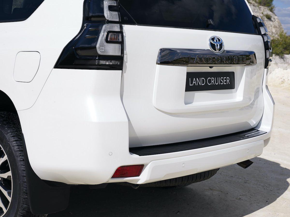 El nuevo Land Cruiser llega con más prestaciones y un Black Pack exclusivo