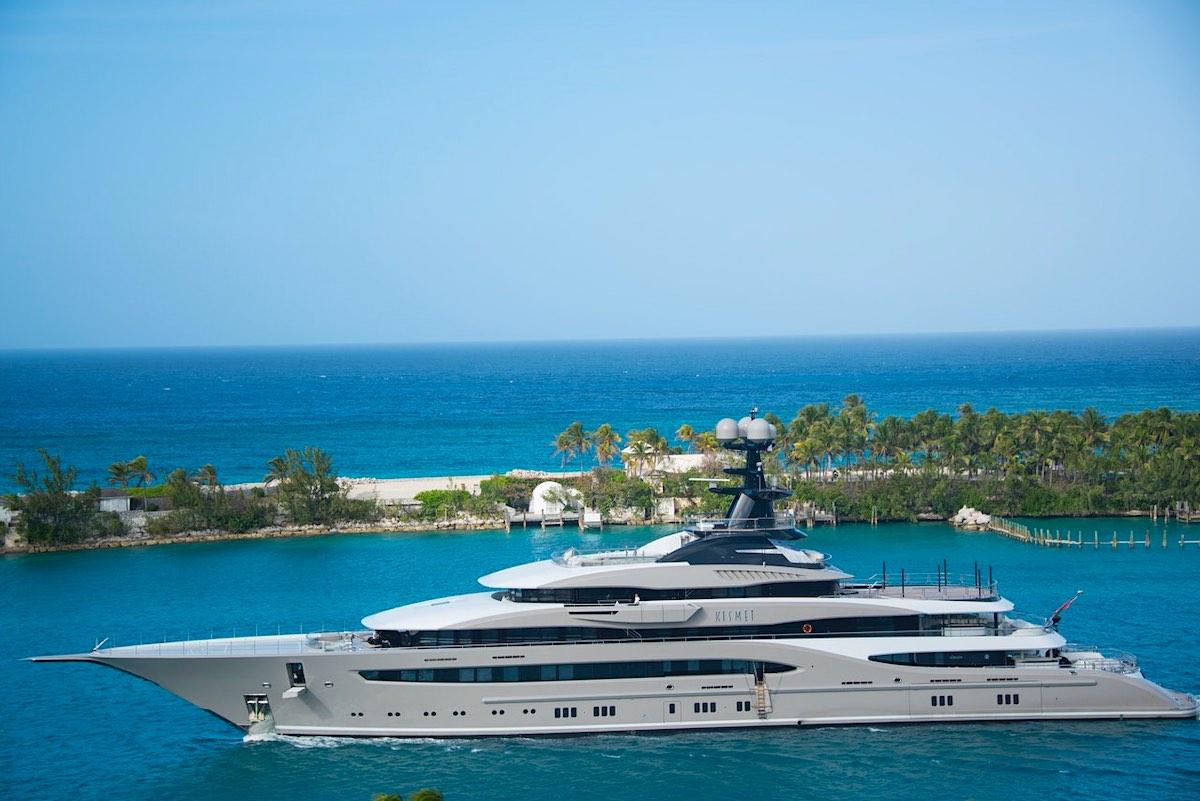 El propietario de los Jacksonville Jaguars pone a la venta su superyate KISMET con helipuerto y spa por $199 millones