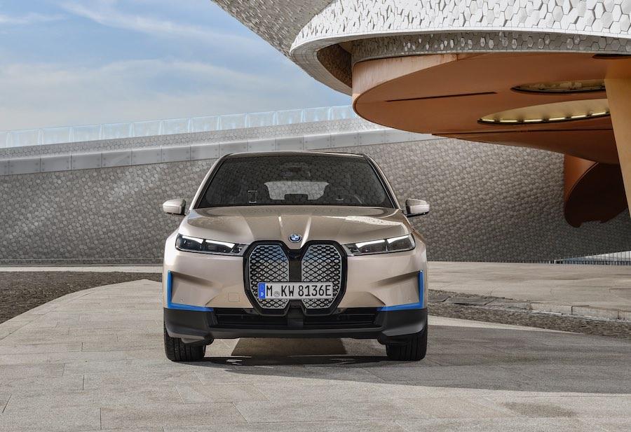 El fabricante alemán revela su primer SUV totalmente eléctrico.
