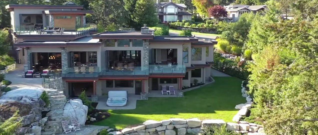 Majestuosidad propiedad en la costa oeste de Vancouver a la venta por $6.080 millones.