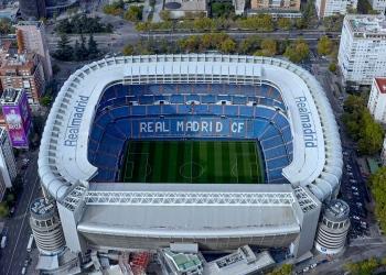 Vista aérea del estadio de fútbol Santiago Bernabéu en Madrid, España. Estadio del Real Madrid FC.