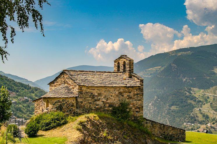 Los estadounidenses pueden abrir una cuenta de banco en Andorra.
