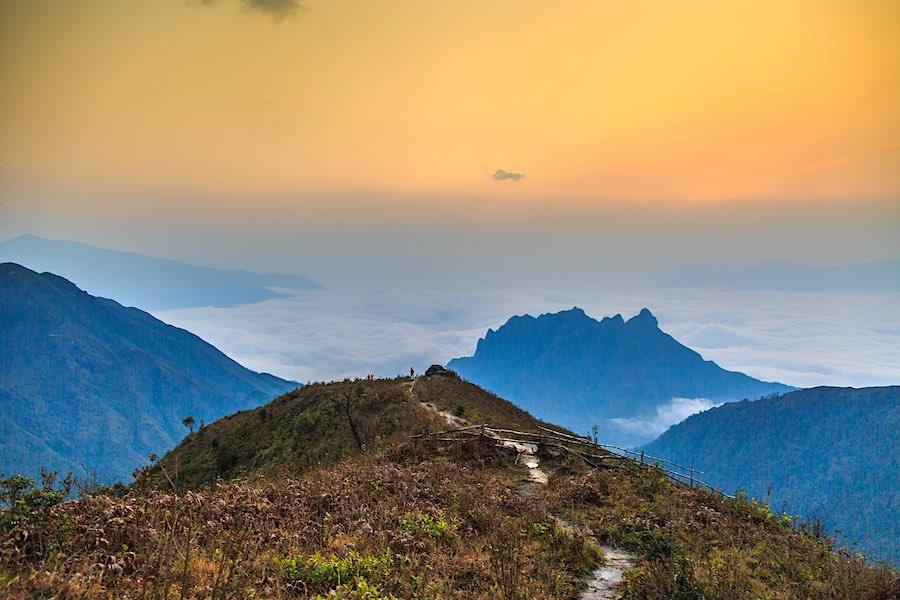 Subir a la montaña Bach Moc Luong Tu