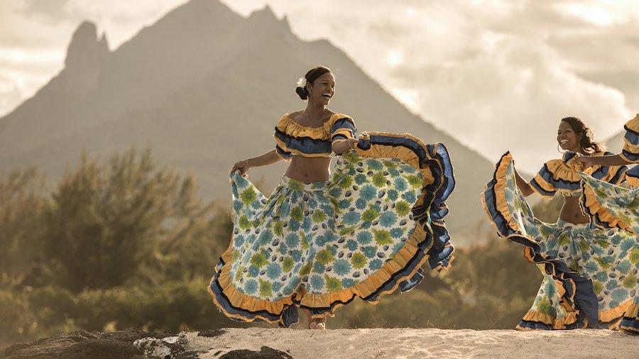 Bailarinas tradicionales en la República de Mauricio.