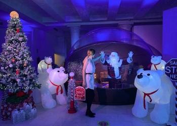 El primer Papá Noel anti-covid llega a Madrid cargado de los mejores chocolates del mundo
