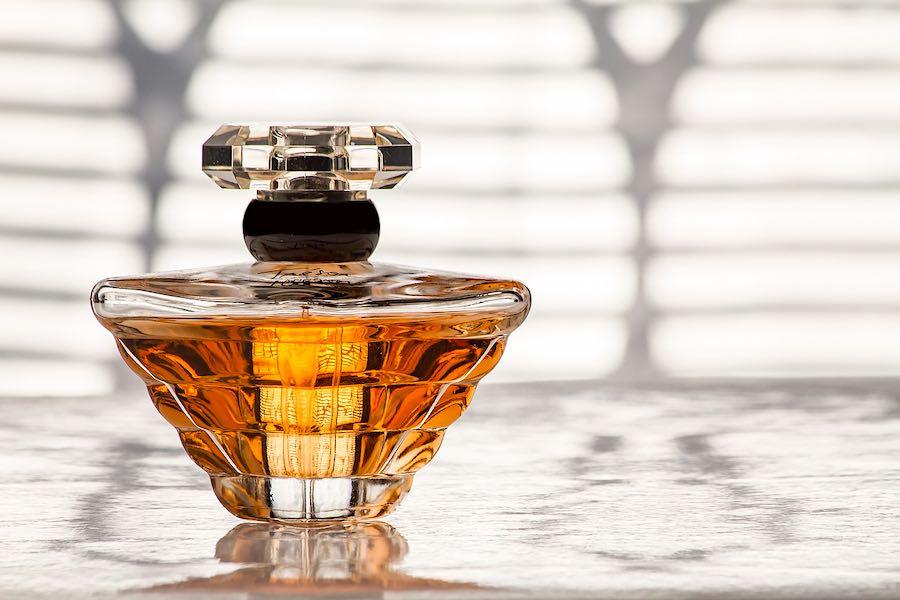Investigación para el desarrollo de nuevos perfumes que cautive a todo el público.