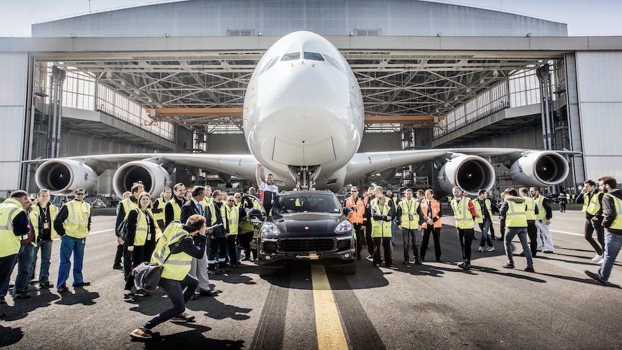 En la primavera de 2017, un Cayenne S Diesel (E2 II) tiró de un Airbus A380 de 285 toneladas durante una distancia de 42 metros. Esto da lugar a una referencia en el Libro Guinness de los Récords para el coche de producción que ha sido capaz de arrastrar al avión más pesado.