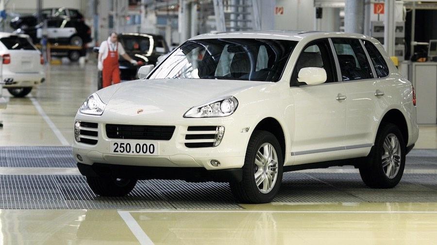 El SUV Porsche número 250.000 sale de la línea de montaje en la fábrica de Leipzig.