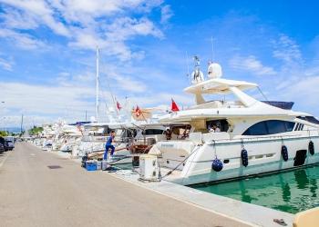 Puerto de Antibes, Cote d'Azur, Francia