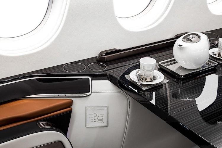 Dassault acaba de presentar un nuevo jet privado Falcon 6X de 47 millones de dólares que puede volar 5.500 millas náuticas