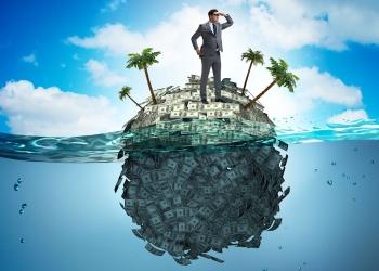 Concepto de cuentas offshore con empresario