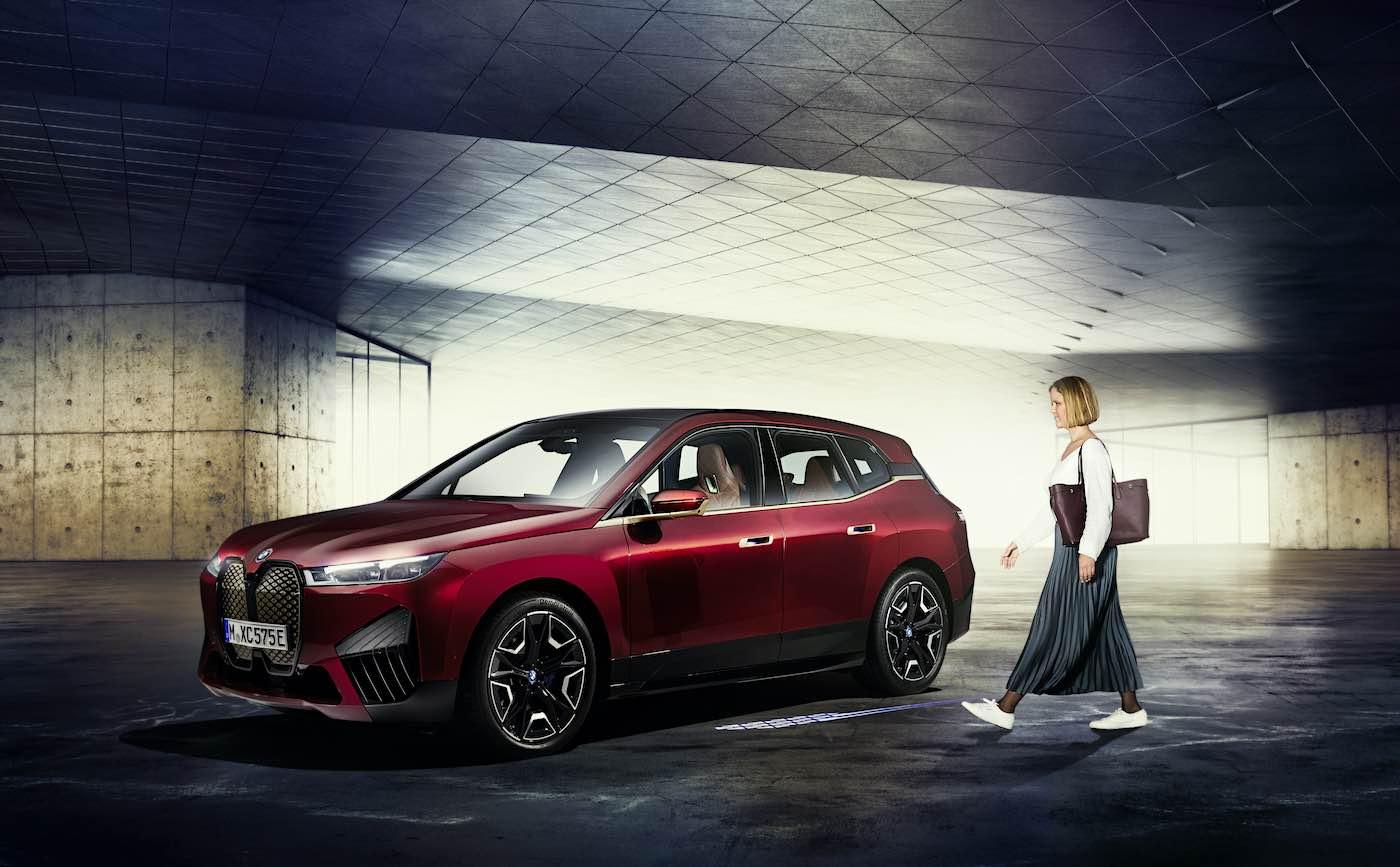 BMW Digital Key Plus con tecnología de banda ultraancha en el nuevo BMW iX