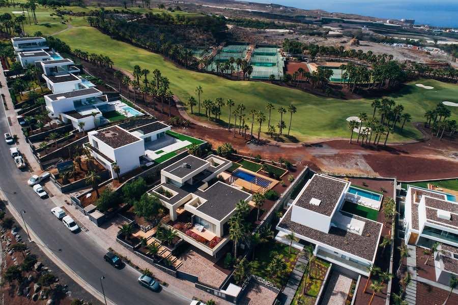 Diez motivos que convierten a Abama Resort en la mejor opción para comprar una vivienda de lujo.