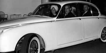La princesa de Mónaco Grace Kelly y Jaguar: Estilo y Glamour de los años 70