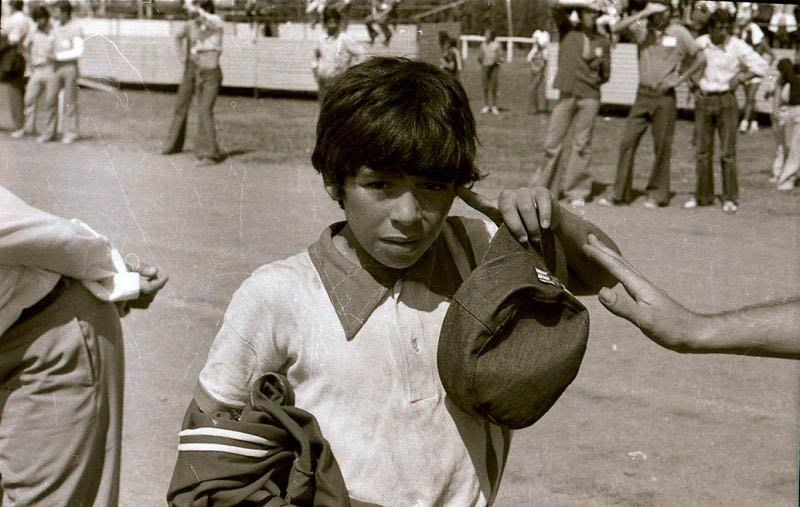 Maradona en 1973, durante el torneo Evita.