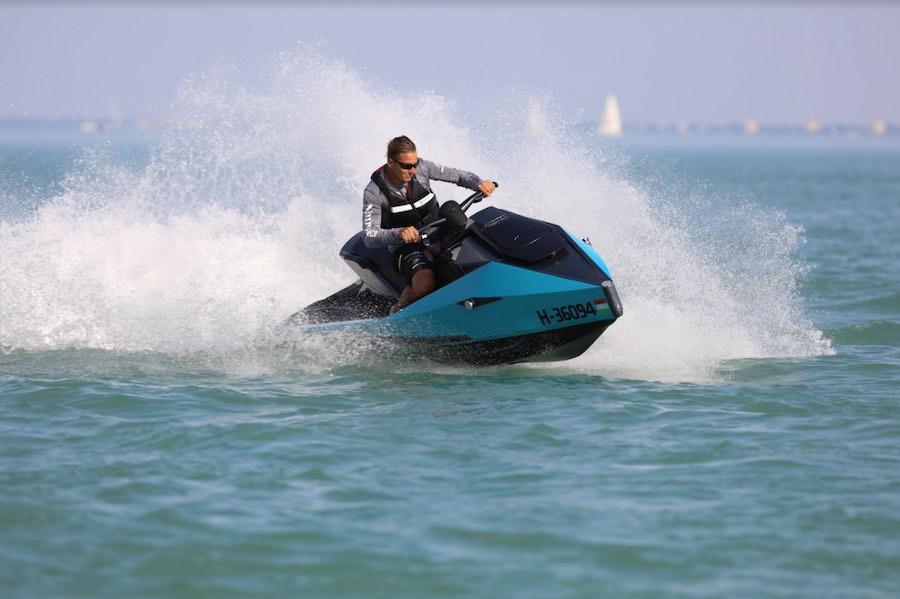 Cyberjet, es una moto acuática 100% eléctrica
