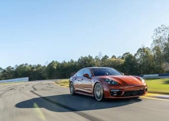 La berlina de Porsche no deja de sorprender por sus grandes actuaciones en diferentes circuitos alrededor del mundo.
