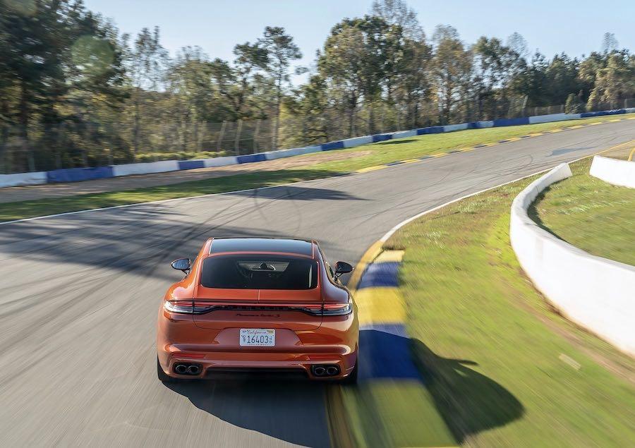 El Panamera Turbo S establece un récord de berlinas de producción en el circuito de Road Atlanta