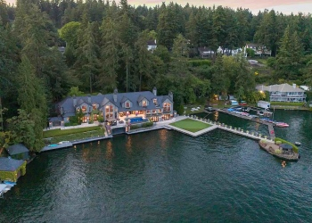 Esta hermosa casa de piedra en Lake Oswego, Oregón, sale al mercado por 11 millones de dólares