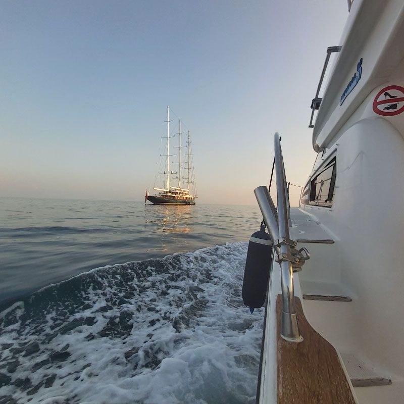 La experiencia más completa en yate con Lovit Charter Puerto Banús