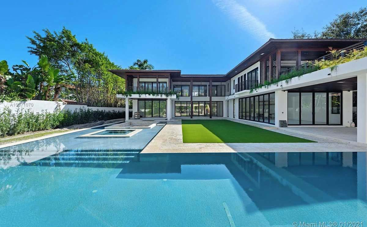 Esta espectacular casa fue diseñada por el famoso arquitecto Ceasar Molina.