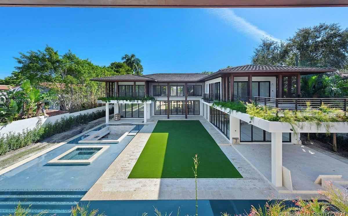 Esta espectacular mansión contemporánea fue diseñada por el famoso arquitecto Ceasar Molina