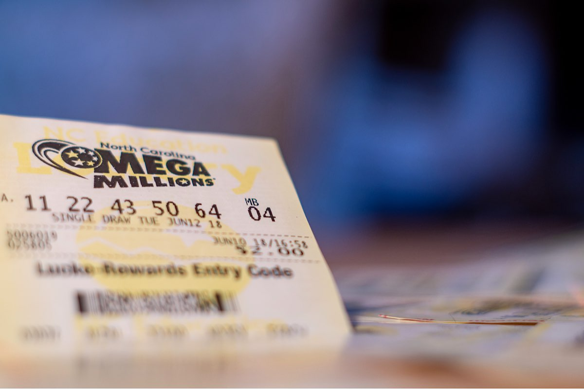 """El premio mayor del Mega Millions y Powerball ascienden a más de mil millones de dólares combinados — ¿Qué hacer para proteger tu privacidad si ganas"""""""