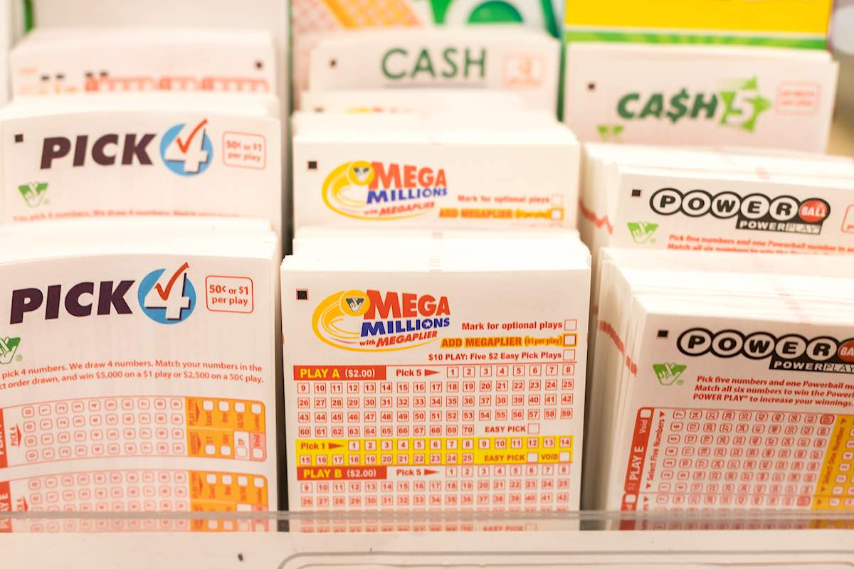 El premio mayor de Mega Millions subió a $520 millones; el del Powerball a $470 millones